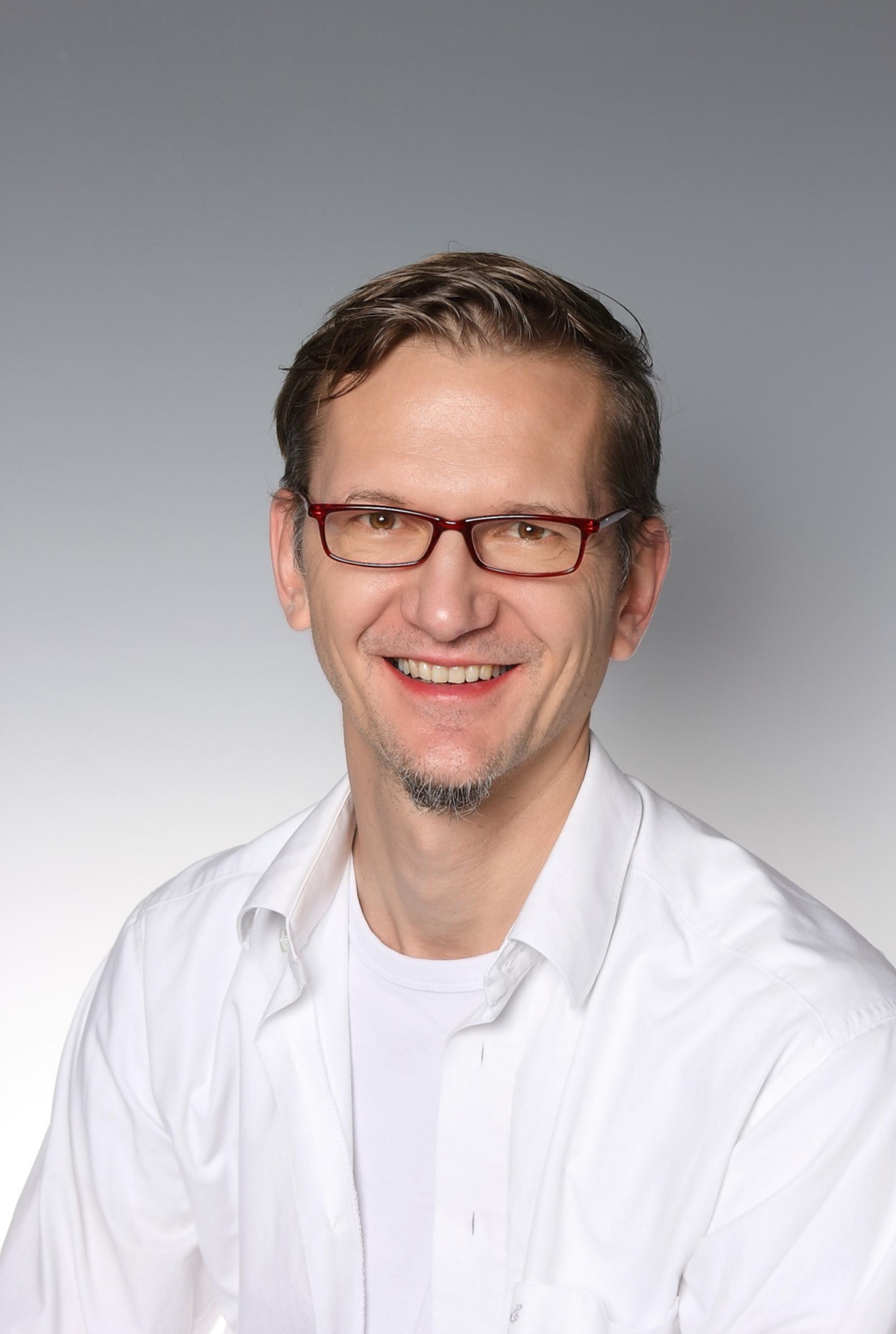 Mag. Alexander Strecker